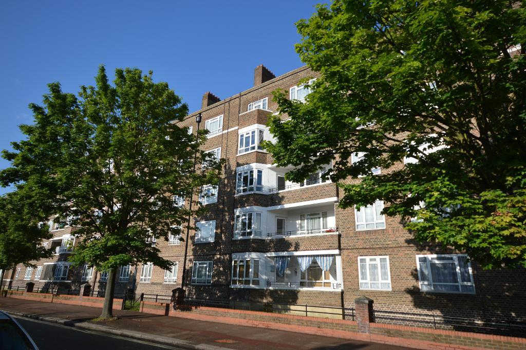 Bloemfontein Road, White City Estate, London, W12 7NL