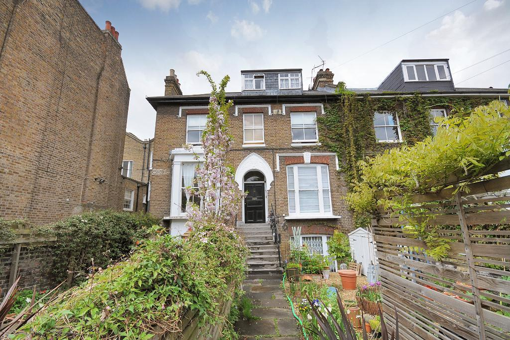 Oaklands grove, West London, Shepherds Bush, W12 0JD